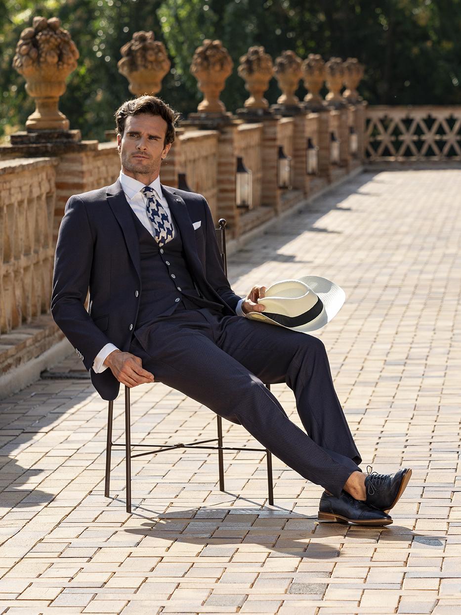 Costum business clasic, slim, negru Felix Ramiro